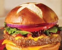 Wendys-Pretzel-Bacon-Cheeseburger