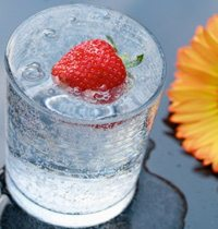 water-sparkling-glass